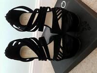 Ladies Quiz heels