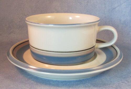 ARABIA OF FINLAND, Vintage, Uhtua, Tea Cup & Saucer, Excellent
