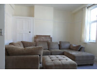 3 BED FLAT ON ELM GROVE, SOUTHSEA AVAILABLE NOW TO STUDENTS OR WORKING PROFESSIONALS