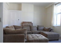 3 double bedroom flat located on Elm Grove, Southsea, PO5 available 1st July
