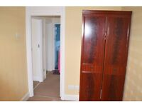 Single room is available for Female in Goodmayes