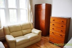 3/4 DOUBLE BEDROOM, FULLY FURNISHED, CLOSE TO STATION AND BUS, NW1.