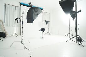 PHOTOGRAPHY STUDIO TO HIRE! £50 FOR 4 HOURS, BIRMINGHAM CITY CENTRE. PHOTOGRAPHERS ALSO AVAILABLE