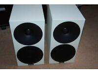 New Bookshelf speakers Amphion Helium 510