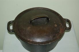 ANTIQUE DUTCH OVEN POT. 4501. 040