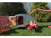 Retro teardrop trailer for hire