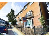 NO AGENCY FEES - NEWLY DECORATED 4 BEDROOM FLAT TO RENT IN CAMBERWELL SE5. W/ LARGE SHARED GARDEN