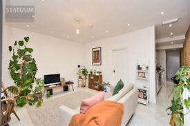 Contemporary 2 Bed Period flat with 2 patio garden in Lower Clapton - Hackney E5