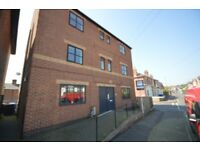 **NO DEPOSIT** Spacious 1 bed flat, gated parking, close to city, Available now Working Only