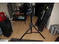 Air assist loud speaker stands