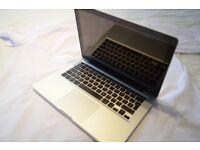 Macbook pro13 i5 2012 . 2.4GHz 4gb ram 1000hd microsoft office adobe photoshop indesign original cha