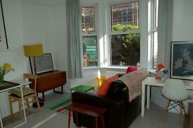 Beautiful refurbished 1 bedroom flat in the heart of St Leonards, Exeter.