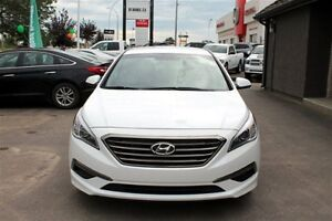 2016 Hyundai Sonata Limited - RVRSE CAMERA  BLUETOOTH WARRANTY Regina Regina Area image 3