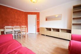 Delightful, 2 bedroom, 3rd floor flat in Morningside available NOW!