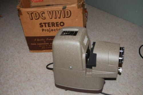 VINTAGE TDC STEREO VIVID MODEL 116 SLIDE PROJECTOR WORKS NO TRAY