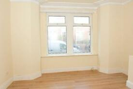 MUST BE SEEN- Beautifull 2 bedroom upper floor in Bensham, rodsley avenue