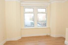 MUST BE SEEN- Beautifull 2 bedroom upper floor in Bensham, rodsley avenue