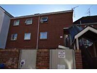 2 bedroom flat with private entry system in the centre of Exeter with recently fitted kitchen