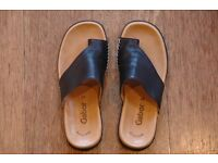 Gabor Lanzarote Sandals. Black leather, toe loop sandals, size 37. Brand new.