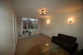 2 bedroom flat in Garden Court, Holden Road, North Finchley, N12