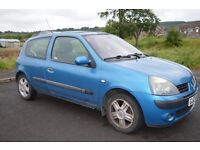 FOR SALE 2004 RENAULT CLIO 1.5 DCI DIESEL £30 A YEAR ROAD TAX MOT JAN 2018