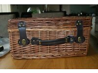 Wicker picnic hamper case only £12