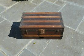 'Vintage' trunk - well used but in reasonable condition.