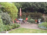 LARGE 3 Double Bed GARDEN Flat In WHETSTONE - Close To NORTHERN LINE!
