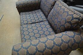 Lovely 2 Seater Sofa in Great Condition FREE DELIVERY IN LOUGHBOROUGH ONLY
