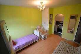 Stunning Studio situated in Hounslow ALL BILLS INCLUSIVE