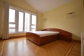 LOVELY 2 BEDROOM PENTHOUSE IN CANARY WHARF