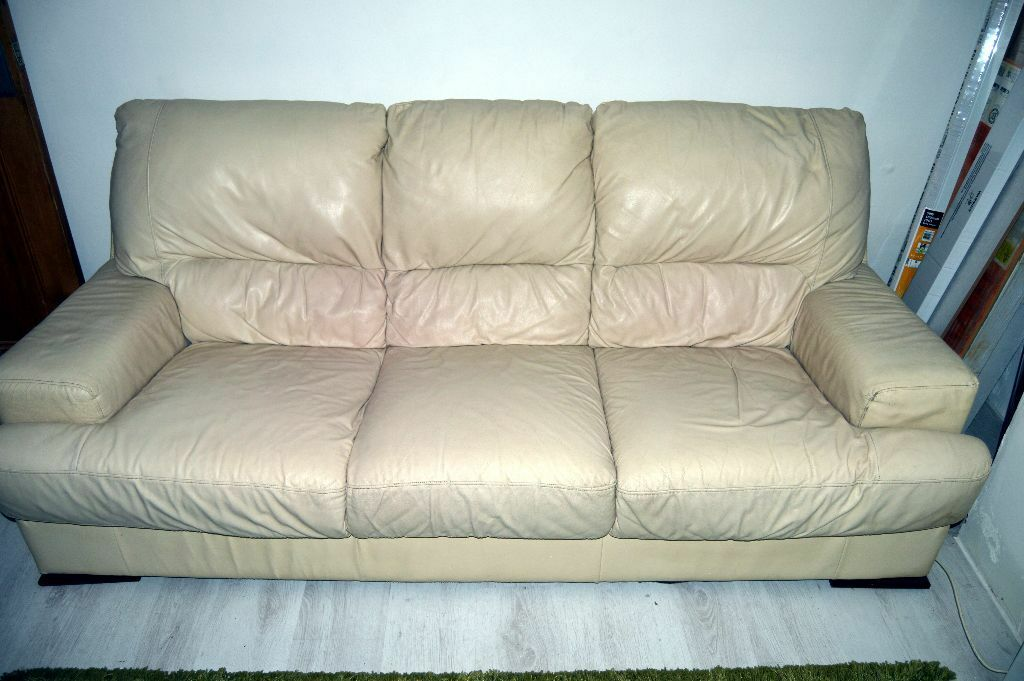 3 4 seater cream leather sofa settee couch in newton