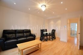 A stunning two double bedroom flat located in Temple Fortune.