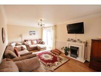 Immaculate 2 bedroom flat in Ilford available now dss with guarantor accepted