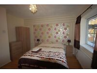 DELUXE BEDROOM IN WORKING HOUSESHARE SALFORD - LOW DEPOSIT/ADMIN FEE