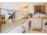 CHEAP NICE TWO BED IN SW8 £1400pcm AVAILABLE NOW