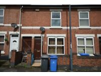 **NO DEPOSIT** Spacious 2 double bedroom house, Balfour Rd, close to 2 sisters and RR sites, Working