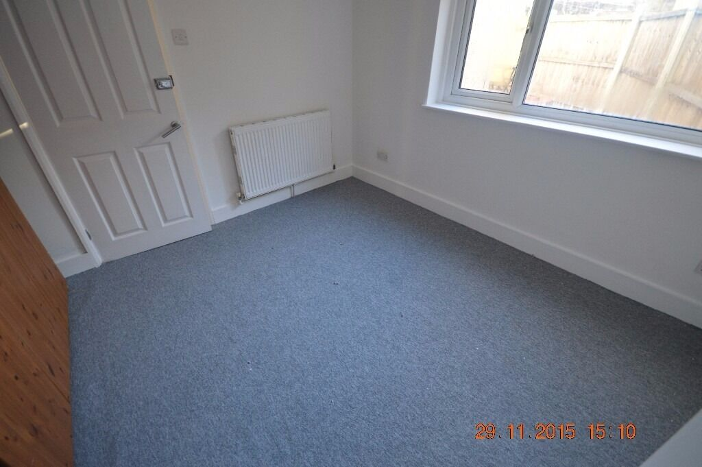 2 DOUBLE BED ROOM - FULLY FURNISHED - NEWLY PAINTED AND DECORATED THOUGHT OUT.