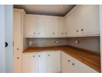 Howdens tewkesbury oak painted kitchen units and solid beech worktop