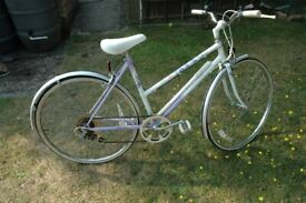 Ladies Cycle, mechanically sound and in good condition