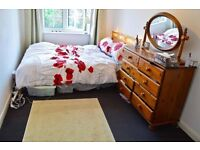1 Double Room for Rent in 4 Bed Richmond House