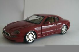 Burago model toy car Maserati 3200 GT 1.18