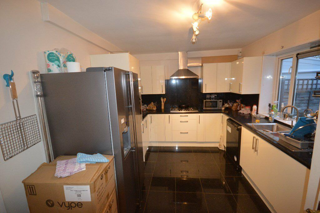 Beautiful 2 bed house in Chigwell on Burrow Road
