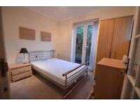 Double rooms available in a friendly flatshare