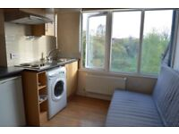 COSY STUDIO TO RENT ON ACTON HIGH STREET **DSS ACCEPTED**