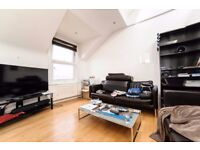 SE1-STUNNING SPACIOUS ONE BEDROOM PERIOD CONVERSION WITH PRIVATE BALCONY NEXT TO LONDON BRIDGE £335