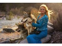 Looking for women of all ages who have wonderful animals for a charity fashion shoot.