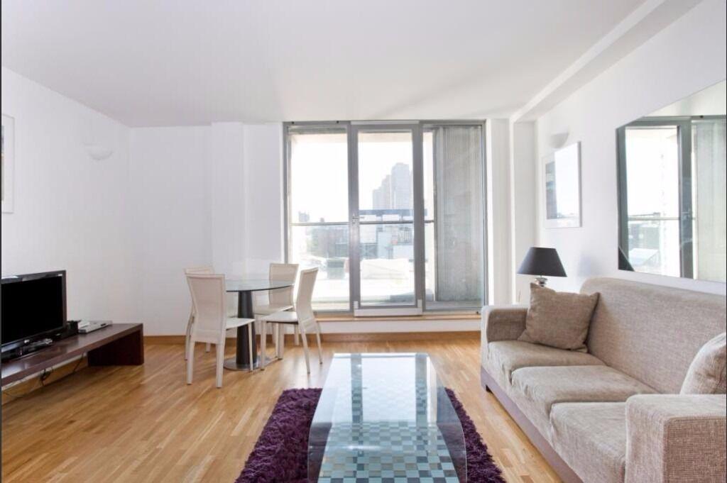 Outstanding 1 bedroom apartment Farington Station SHORT LET
