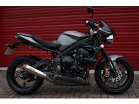 Street triple R with all factory extras including Arrow lowboy can