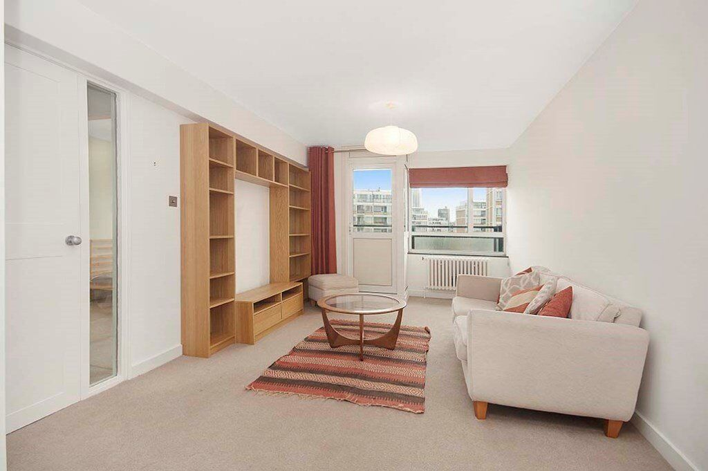 Bright two 2 double bedroom flat with private balcony, some bills included. SW1 Pimlico